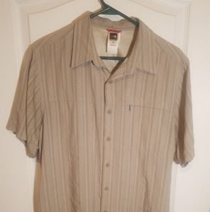 THE NORTH FACE MENS BUTTON DOWN